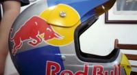 capacete red bull downhill