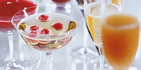 foto coquetel de champanhe com frutas