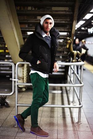 como usar calça verde escura