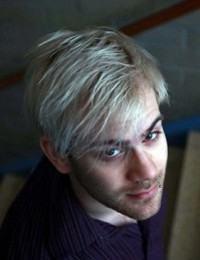 cabelo acinzentado masculino